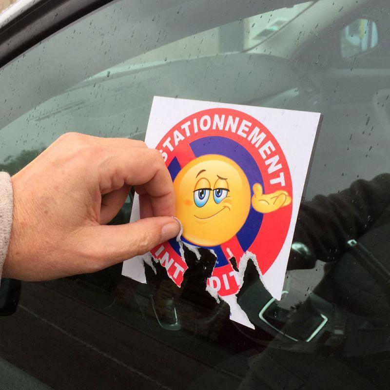 Autocollant dissuasif stationnement g nant intediction de stationner - Comment enlever un autocollant ...