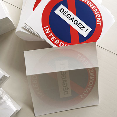 adhésif papier pour voiture mal garée